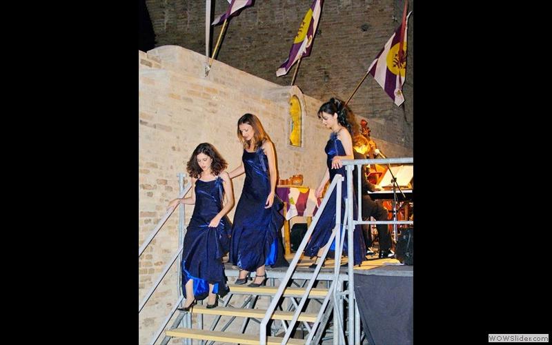 Blue Dolls34 (web)3
